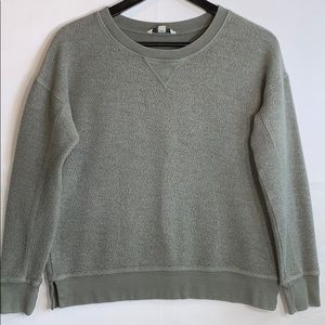 American Eagle Women's Green Pullover Sweater